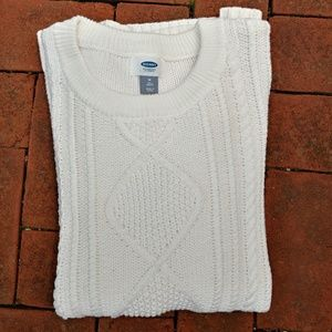 GAP medium tall fitted cream cable knit sweater